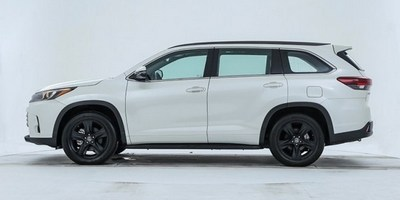 Спецверсия Toyota Highlander Knight Edition 2020